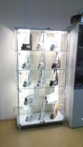 Стеклянная витрина для офис