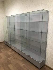 Стеклянные витрины для офиса