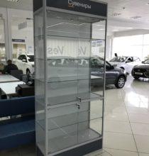 Стеклянная витрина для автосалона Лада