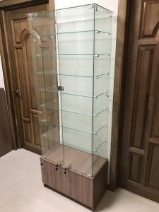 Стеклянная витрина для дома